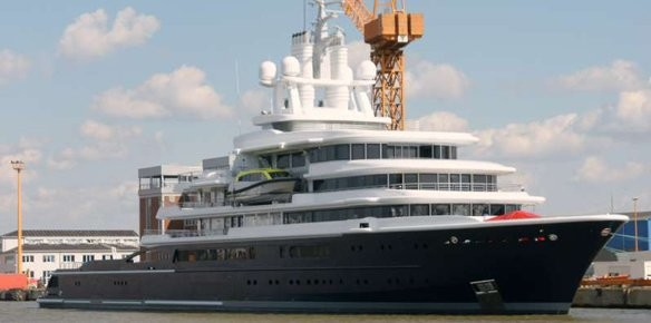 Luna: The Worlds Largest Exploration Yacht - photos Eckhard Uhrbrock